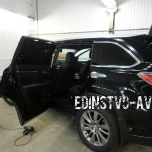 Базовая шумоизоляция Toyota Highlander 2014
