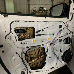 Шумоизоляция Toyota Hilux