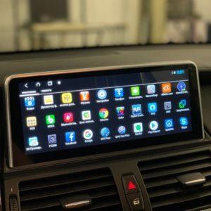 Установка мультимедиа BMW X5